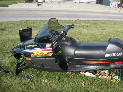 1998 ZL 500 Arctic Cat http://www.snowsnakes.com/snowmobile-for-sale/1998-Arctic-Cat-ZL-5676.html